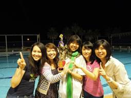 恭喜IBMBA邱麗莎等5位同學勇奪系際盃游泳錦標賽冠軍