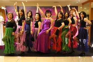 仕女會會員熱舞表演