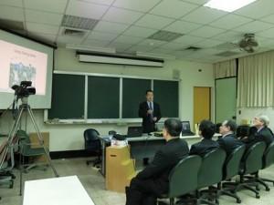 楊碩英老師示範應用「系統思考與組織學習教室」