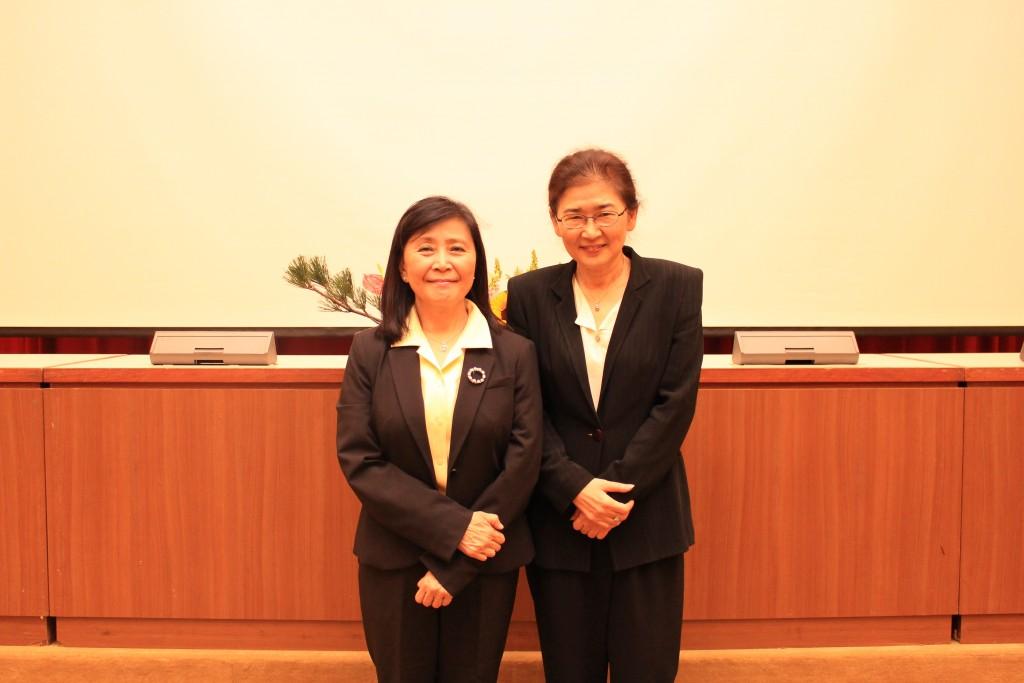 大會主席馬黛教授與大會主講人劉憶如博士合照
