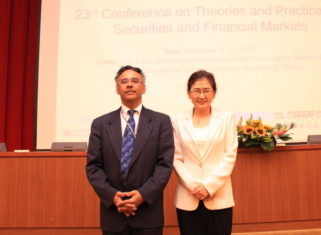 大會主席馬黛教授與大會主講人Avanidhar Subrahmanyam教授合照