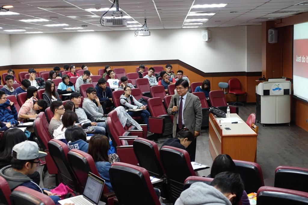 廖學茂董事長為中山大學學子帶來精彩演說