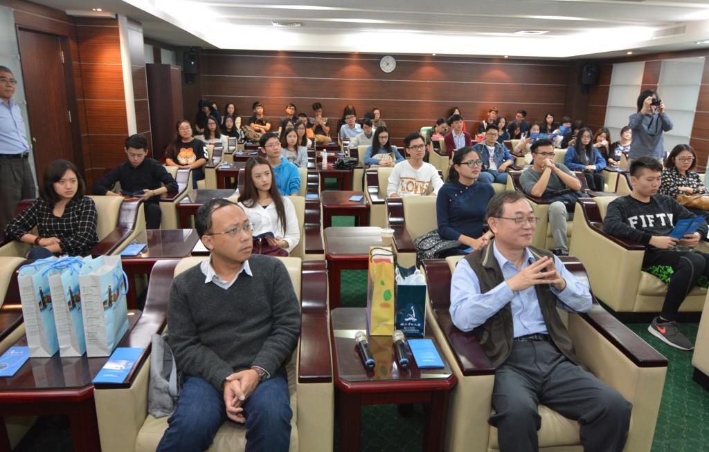 北京師大珠海交換生參訪高雄港務公司