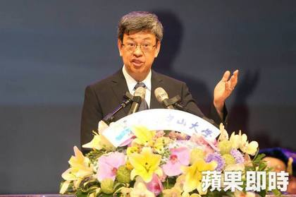 陳建仁今回故鄉高雄,參加中山大學畢業典禮。吳世龍攝