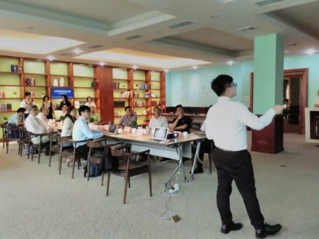 台灣中山大學考察團來南安對企業進行考察交流