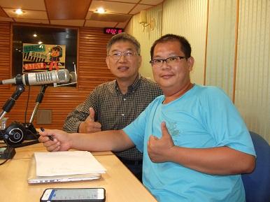 「建構更完善的社企生態圈」專訪─中山大學社會企業發展研究中心主任鄭義(左)
