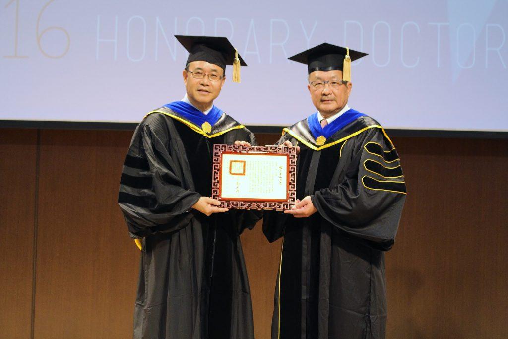 謝進南學長獲頒中山名譽博士學位