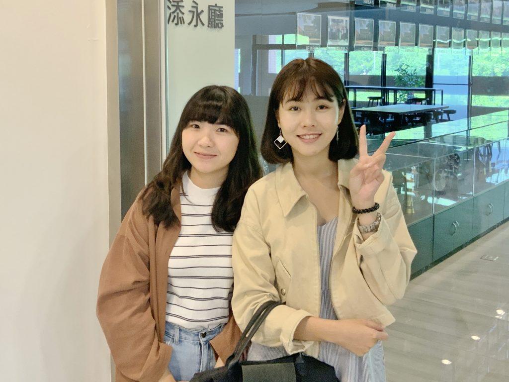 企管系蔡芷琳(左)、呂孟佳(右)